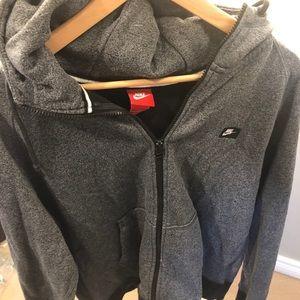 Nike 8/10 men's zip up hoody in men's size XL!